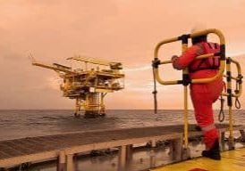 Life-of-Oil-Rig-Workers